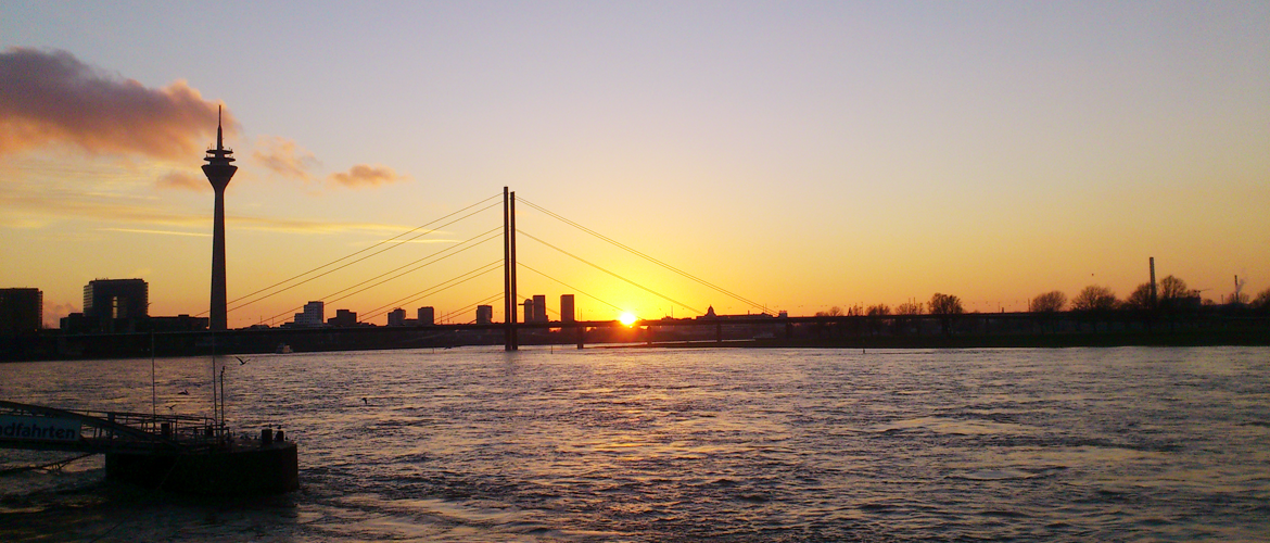 Welcome To Dusseldorf  >>  Enjoy Your Stay in Dusseldorf !